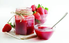 طرز تهیه آب توت فرنگی